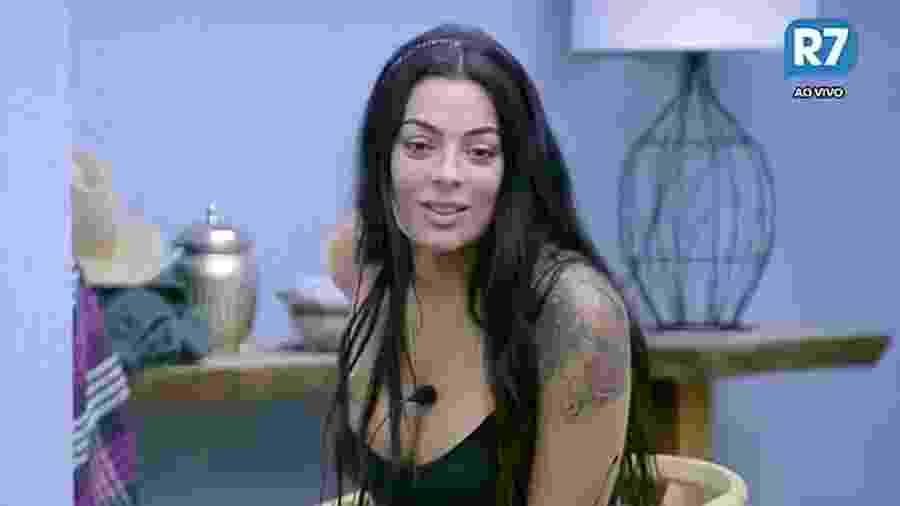 """Monique Amin revela seu arrependimento em """"A Fazenda"""" - Reprodução/R7"""