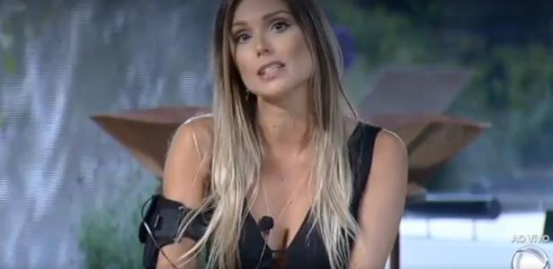 Flávia Viana está na roça da semana