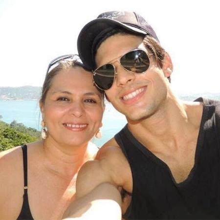 Lucas com a mãe, Lícia - Reprodução/Instagram