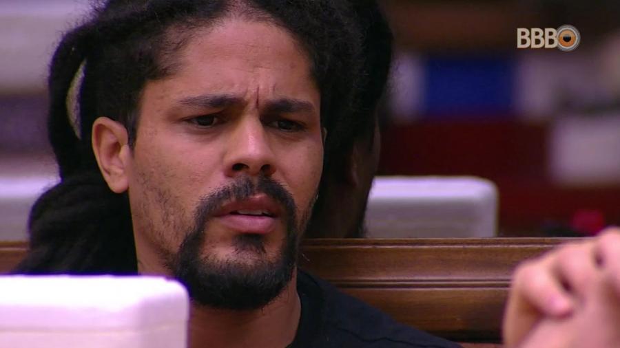Viegas se irrita com o comportamento de Mahmoud  - Reprodução/GloboPlay