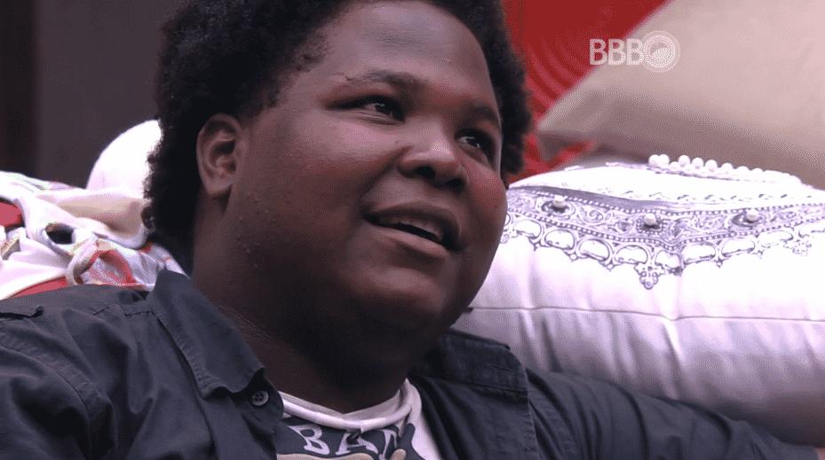 """17.fev.2016 - Ronan compara brothers a personagens de uma escola em estilo norte-americano: """"Eu sou o nerd estranho, cheio de espinhas"""" - Reprodução/TV Globo"""