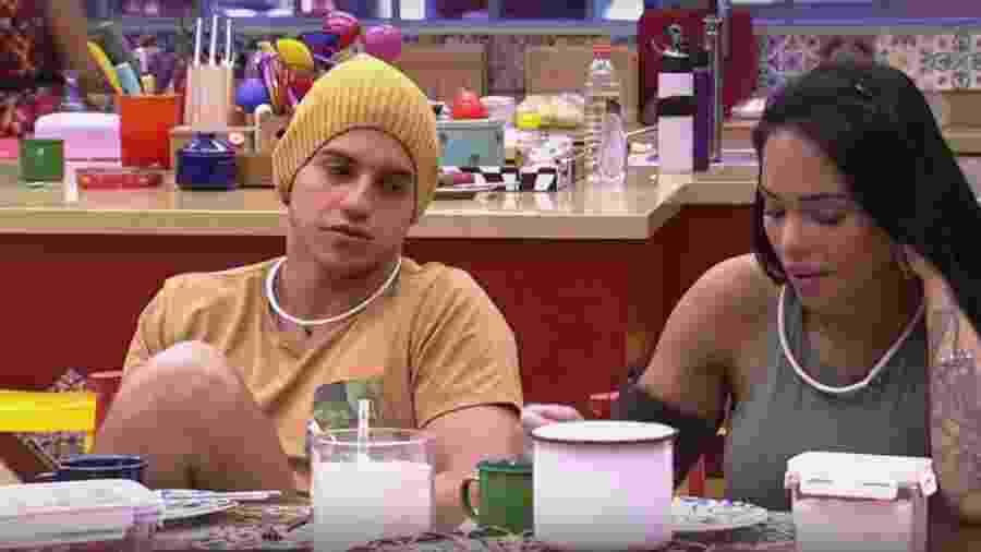 Manoel e Mayara destilam veneno contra brothers - Reprodução/TVGlobo