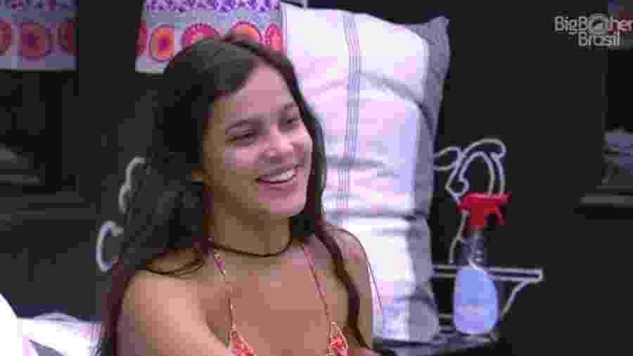 """Emilly diz já ter beijado meninas fora do """"BBB17"""" - Reprodução/ TV Globo"""