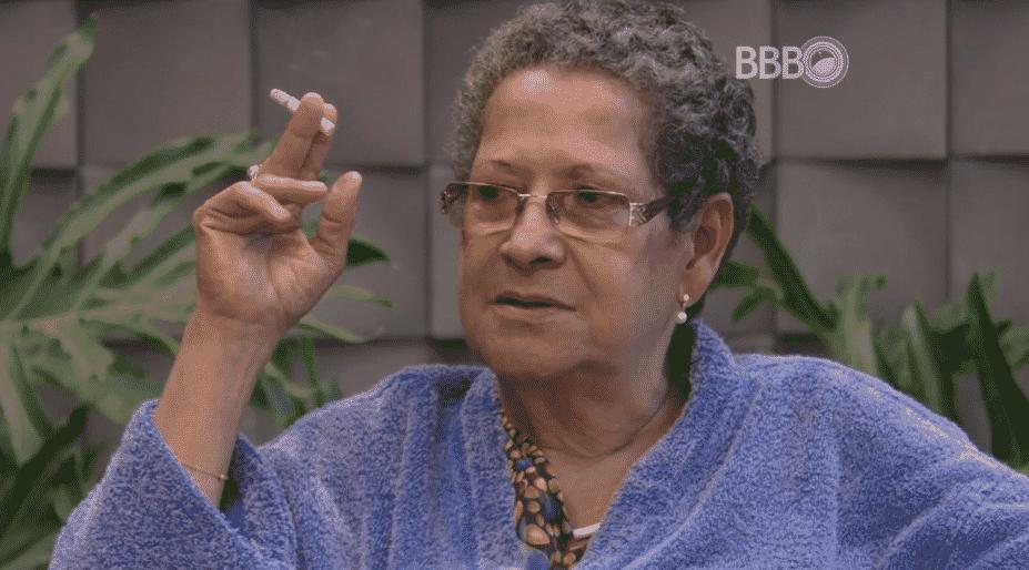 """17.fev.2016 - Geralda diz que não pretende deixar de fumar no """"BBB16"""" - Reprodução/TV Globo"""