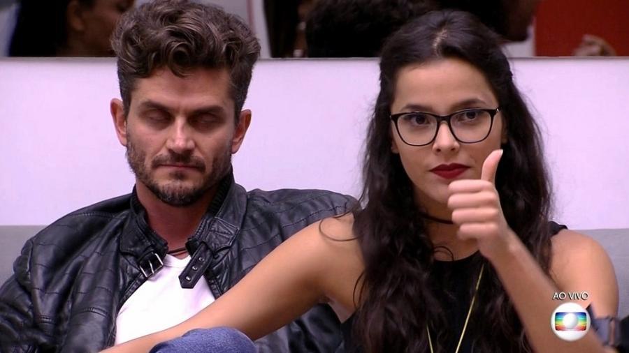 Marcos e Emilly perdem o controle durante jogo da discórdia - Reprodução/TV Globo