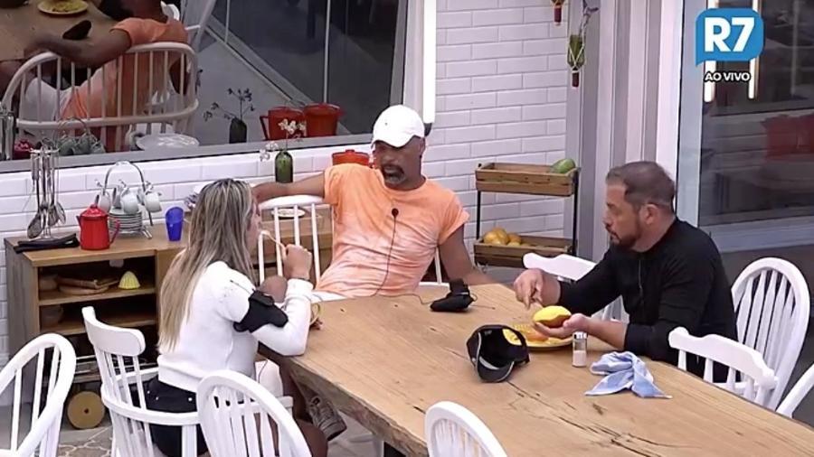 """Ana Paula Minerato diz que não está encantada por ninguém em """"A Fazenda 9"""" - Reprodução/R7"""