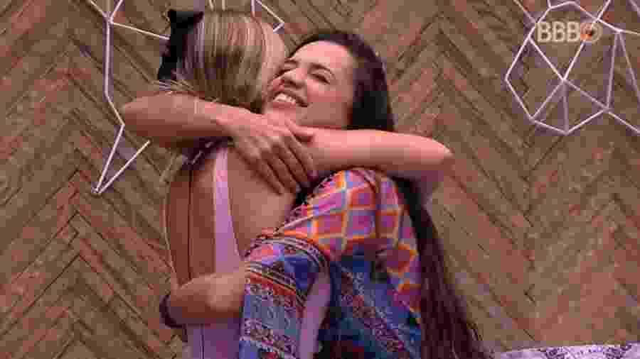 Paula e Jéssica comemoram liderança - Reprodução/Globoplay