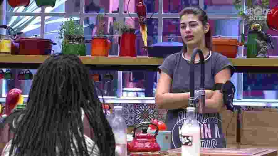 """Vivian fica curiosa sobre alimentação do lado mexicano do """"BBB17"""" - Reprodução/TVGlobo"""