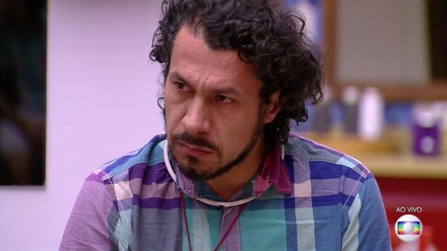 Rômulo é indicado ao paredão pelo líder Ilmar - Reprodução/TV Globo