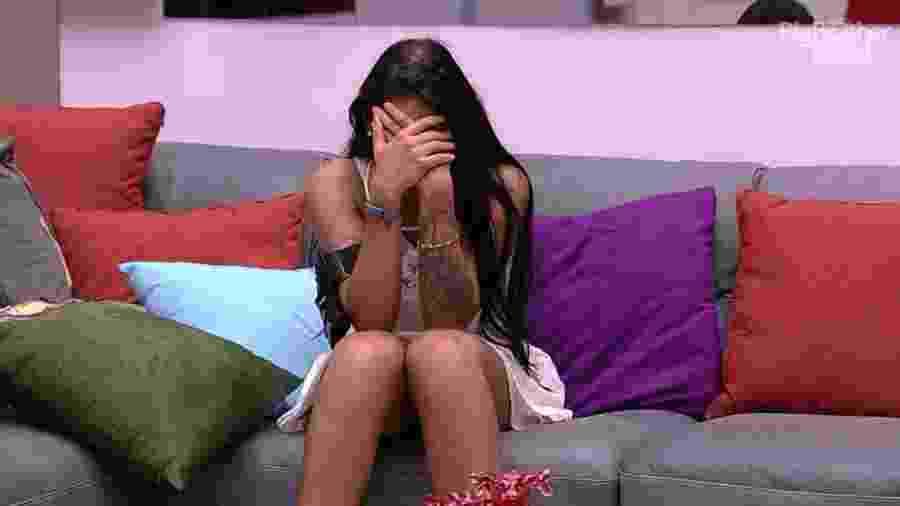 Mayara chora após ser indicada ao paredão pela líder Emilly - Reprodução/TV Globo