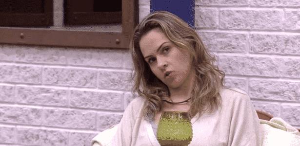 Chico Barney: Ana Paula torcida - Reprodução/TV Globo - Reprodução/TV Globo