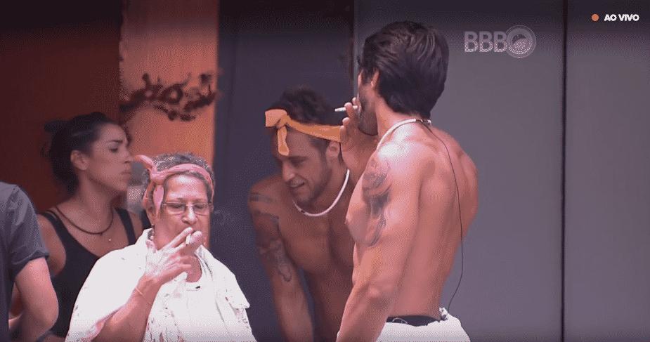 14.fev.2016 - Daniel respira aliviado ao ganhar a prova da comida. Grupo amarelo ganhou com poucos segundos de diferença - Reprodução/TV Globo