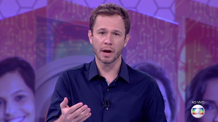 Tiago Leifert anuncia as regras do paredão triplo da semana - Reprodução/TV Globo