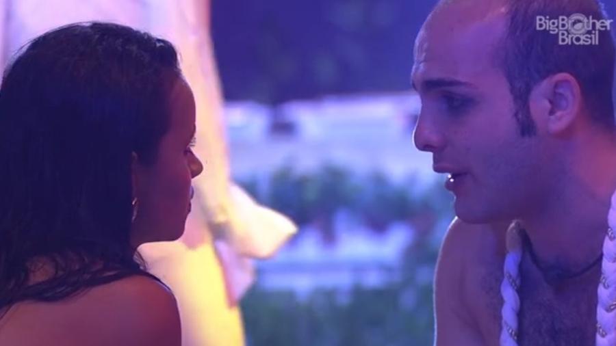 Mahmoud chora conversando com Gleici  - Reprodução/Tv Globo