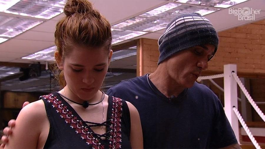 Ana Clara e Ayrton conversam após indicação ao paredão - Reprodução/GloboPlay