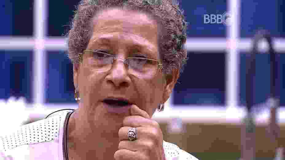 18.mar.2016 - Geralda acredita que Matheus e Cacau foram desonestos - Reprodução/TV Globo