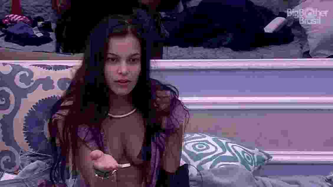 Emilly se queixa por não ter acordado para fazer Raio-X - Reprodução/ TV Globo