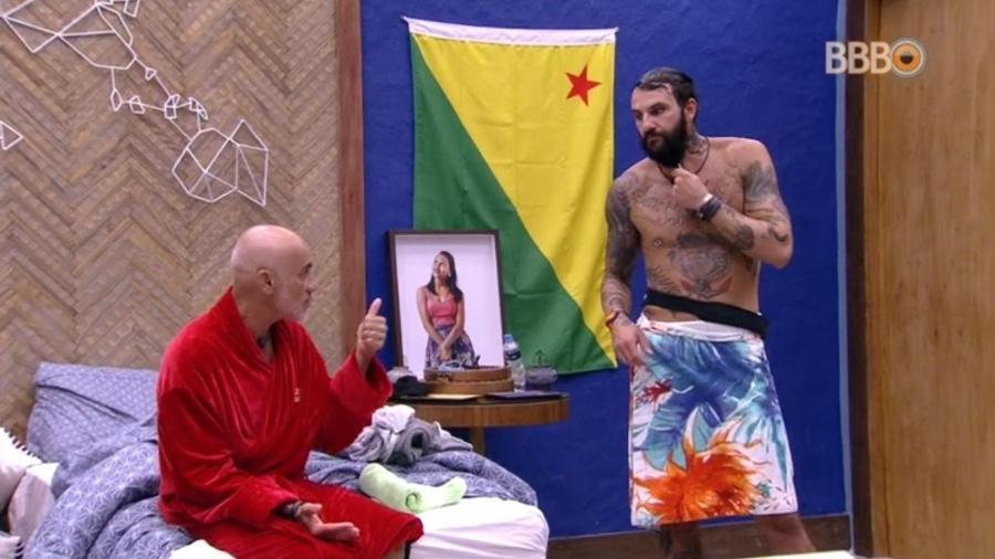 Wagner e Ayrton conversam no quarto do líder - Reprodução/GlobosatPlay