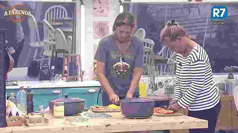Aritana e Rita Cadillac fazem o almoço dos peões - Reprodução/R7