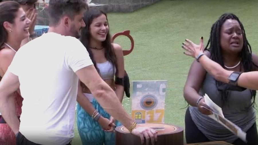 Roberta realiza sonho e vence prova do anjo - Reprodução/TVGlobo