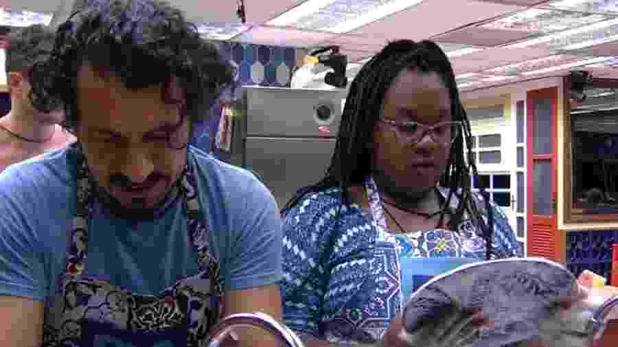 Roberta reclama de lavar louça em dia de paredão - Reprodução/TV Globo