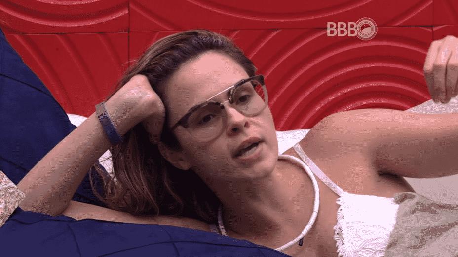 17.fev.2016 - Ana Paula acredita que ganhará de Juliana e Renan, caso vá ao paredão com algum dos brothers - Reprodução/TV Globo