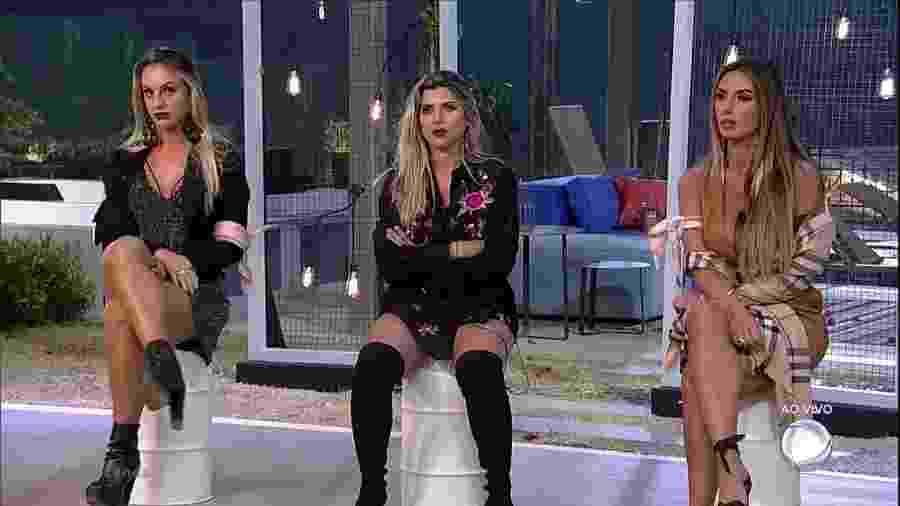 """Monick Camargo, Ana Paula Minerato e Nicole Bahls formam a primeira roça de """"A Fazenda 9"""" - Reprodução/Record"""