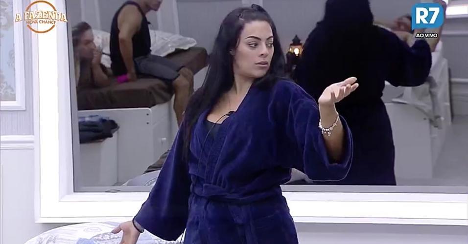 """Monique Amin reclama de Flávia Viana em """"A Fazenda 9"""""""