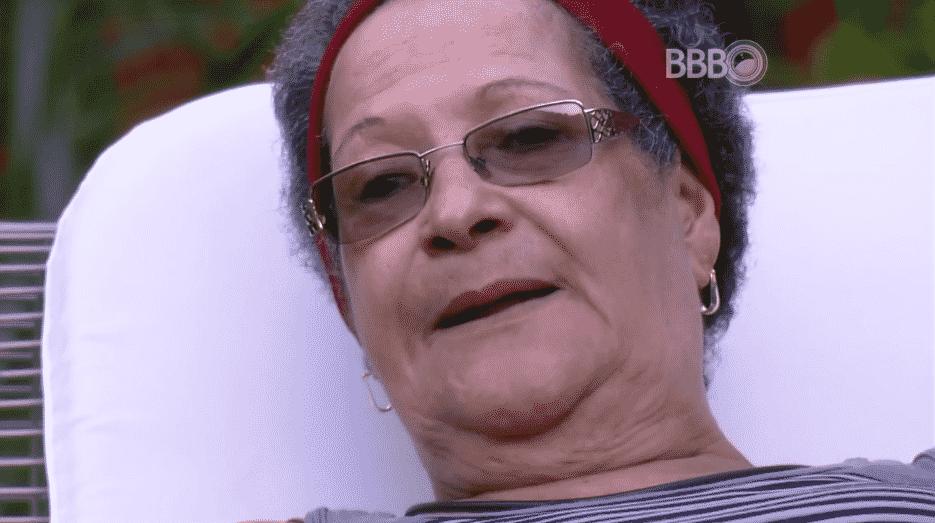 """22.mar.2016 - Geralda conta para Ronan que sonhou com a mãe de Matheus, no """"BBB16"""" - Reprodução/TV Globo"""