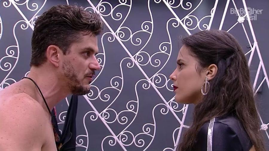 Marcos e Emilly brigam aos berros - Reprodução/TV Globo