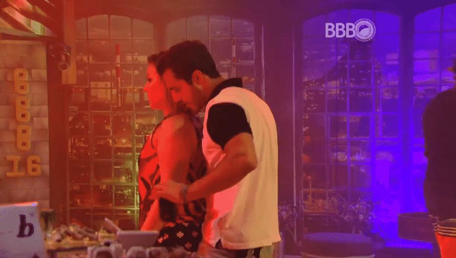"""17.mar.2016 - Matheus pede desculpas para Maria Claudia e garante: """"E eu só quero te falar uma coisa. Se eu puder te proteger, eu vou te proteger"""" - Reprodução/TV Globo"""