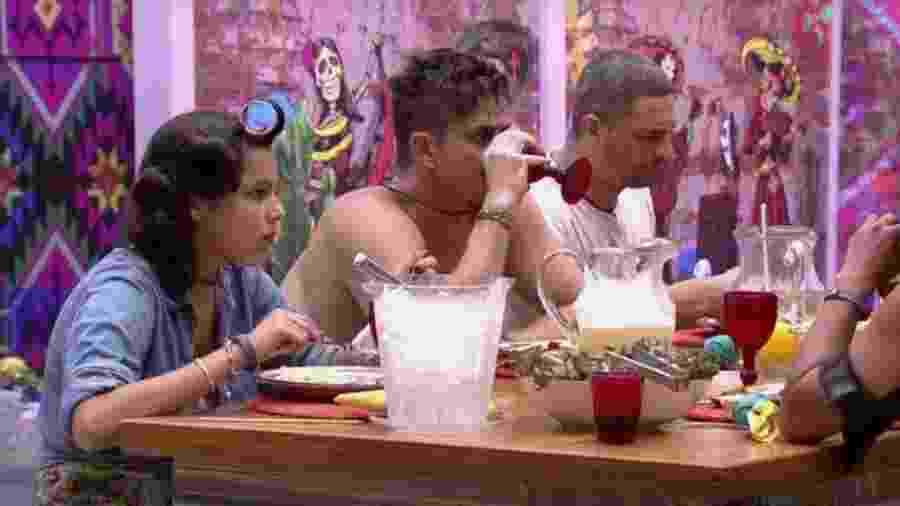 Hermanos curtem churrascada - Reprodução/TVGlobo