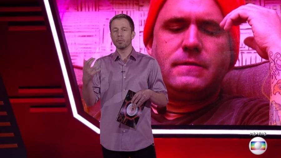 Tiago Leifert no programa desta segunda-feira (26) - Reprodução/Globoplay
