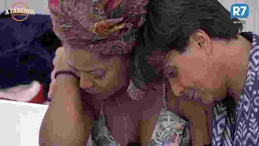 """Adriana Bombom se emociona antes de primeira eliminação em """"A Fazenda 9"""" - Reprodução/R7"""