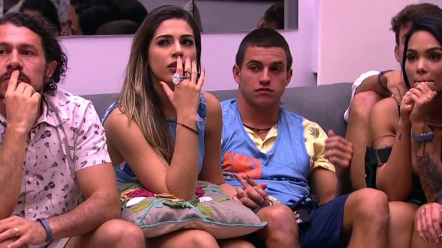 """25.jan.17 - Mayara é a primeira participante imune do """"BB17"""", Vivian fica com dez mil reais - Reprodução/TV Globo"""
