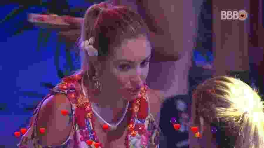 Jéssica conta que tem um relacionamento fora, mas está vivendo o momento - Reprodução/GloboPlay