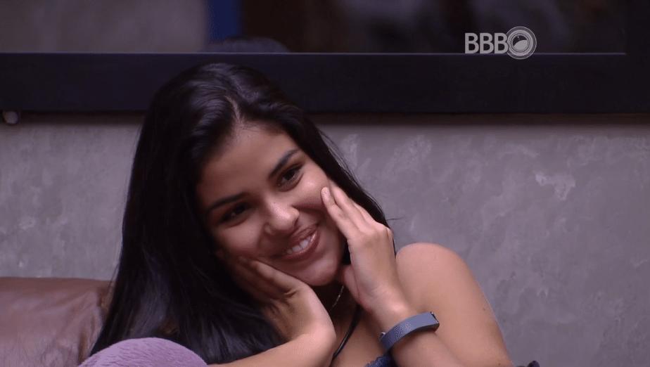 5.abr.2016 - Munik vê cantora mirim de Goiânia e comenta: