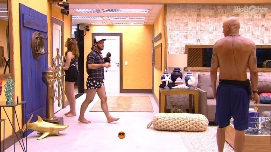 Ayrton briga com Ana Clara - Reprodução/Globoplay