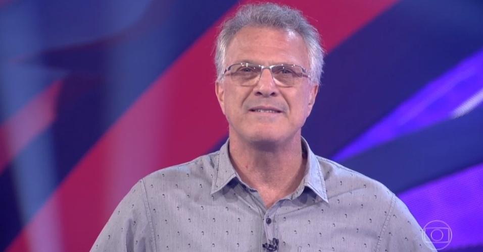 4.abr.2016 - Na véspera da final, Pedro Bial destaca idade das finalistas do