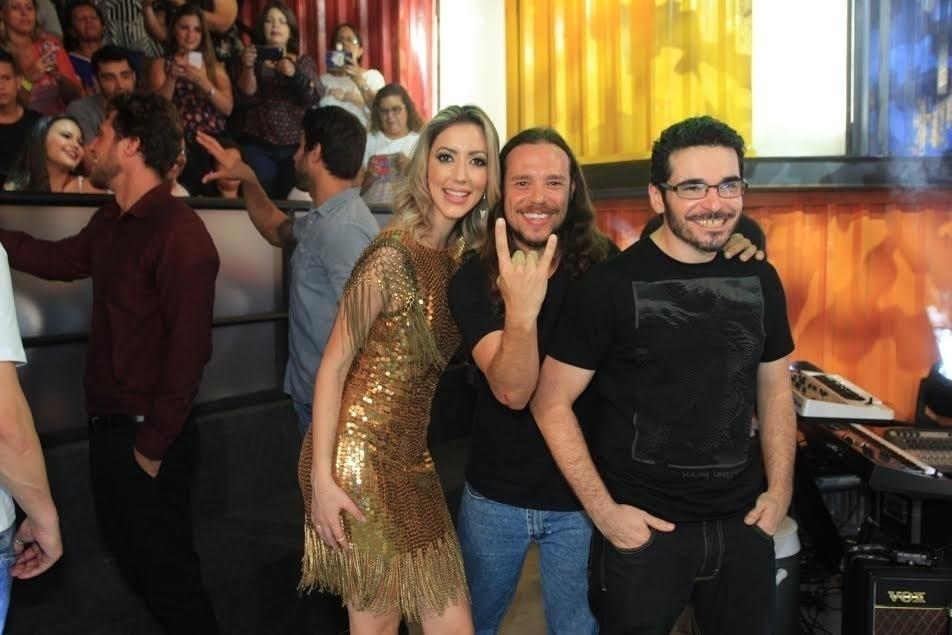 5.abr.2016 - Tamiel e Alan foram clicados com Fernanda