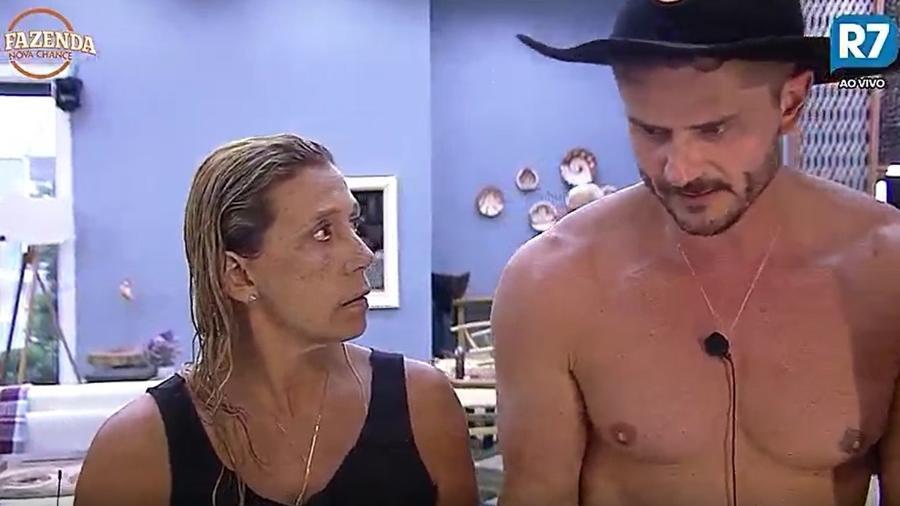 Peões falam sobre punição na cozinha da sede - Reprodução/R7