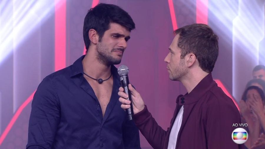 Lucas deixa seu Testamento do Eliminado ao falar com Tiago Leifert - Reprodução/TvGlobo