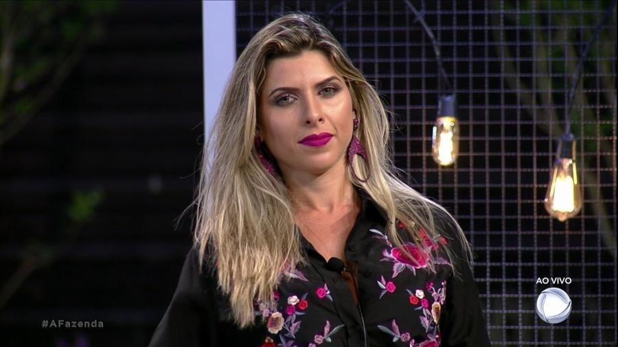 Ana Paula Minerato ofende Dinei durante votação - Reprodução/Record
