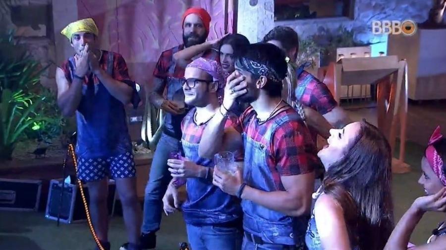 Lucas levou um puxão de orelha da cantora Nayara Azevedo - Reprodução/GloboPlay