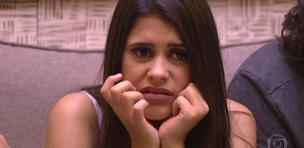 Ana Paula escurta comentários dos brothers