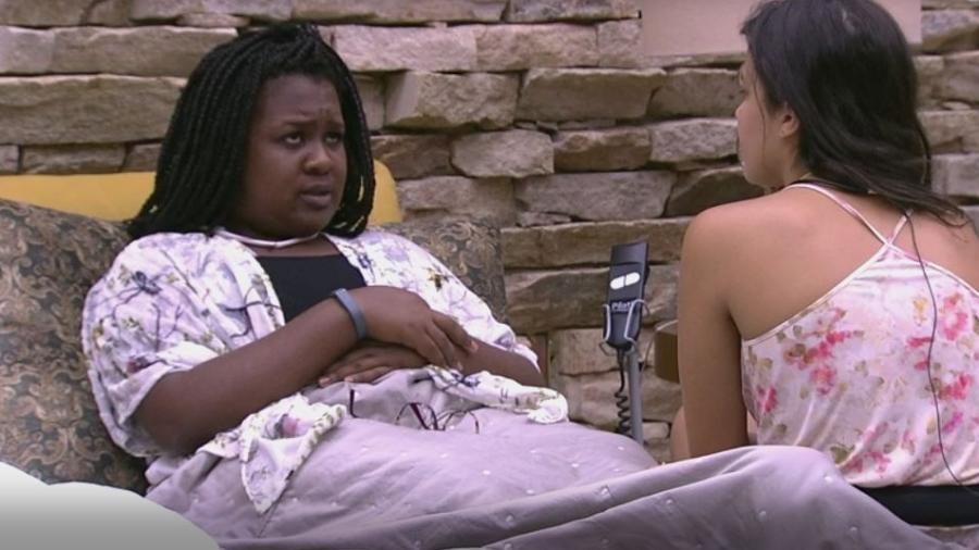Roberta conversa com Emilly, que se queixa de Marcos - Reprodução/TVGlobo