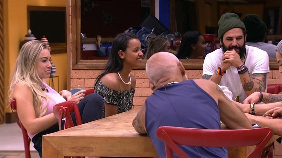 Brothers conversam sobre a louça suja na pia - Reprodução/GloboPlay