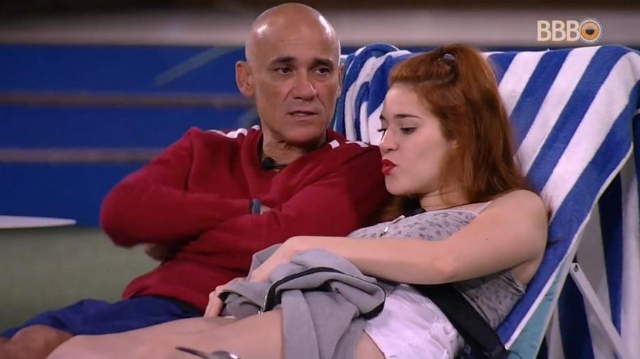 Ana Clara conversa com Gleici e Ayrton - Reprodução/Globoplay