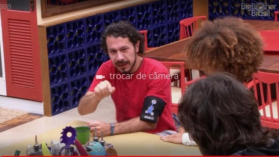 Rômulo imita Cid Morerira - Reprodução/TVGlobo