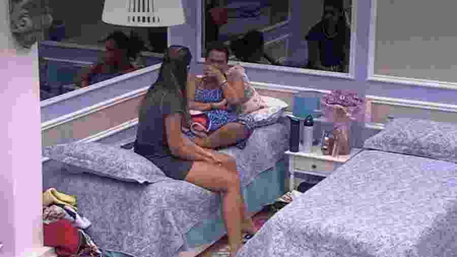 Ieda e se emociona e chora - Reprodução/TV Globo